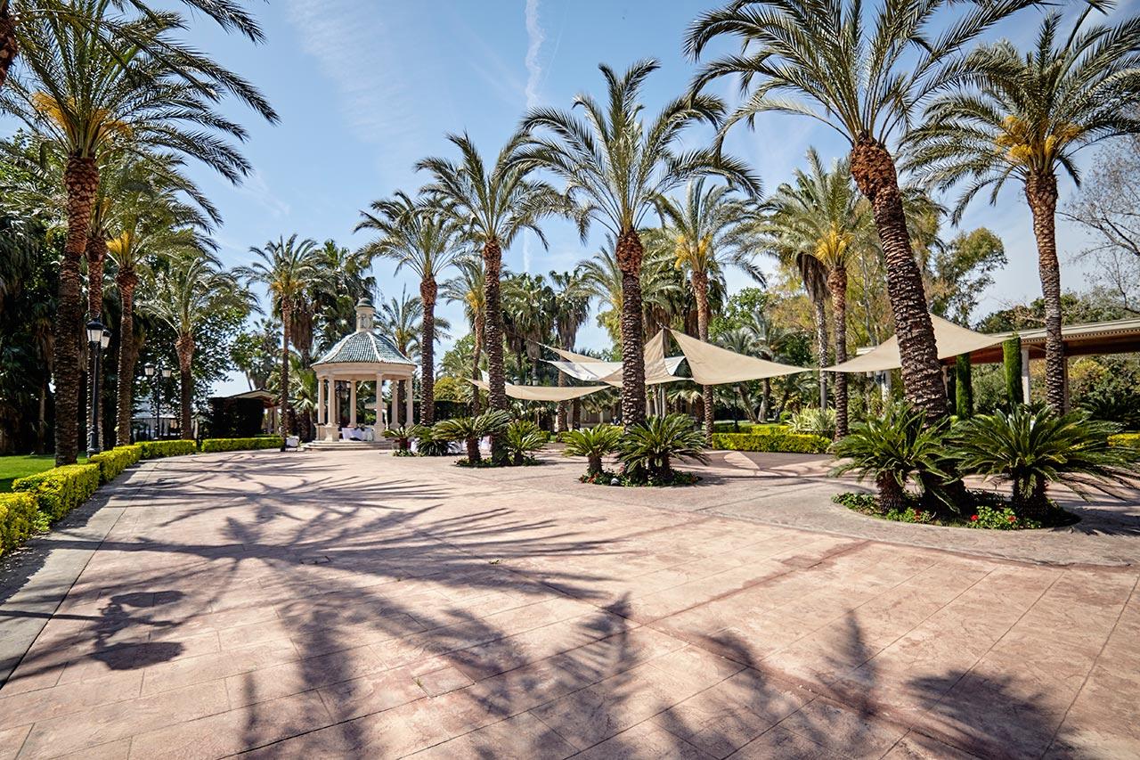 Terraza alicante jardines la hacienda for Jardines de la hacienda
